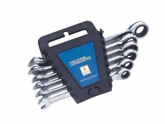 4324 Combination Ratchet Wrench Set (Plastic Rack)